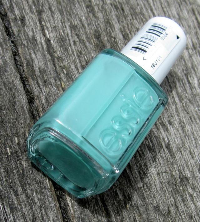 essie-turquoise-caicos-1